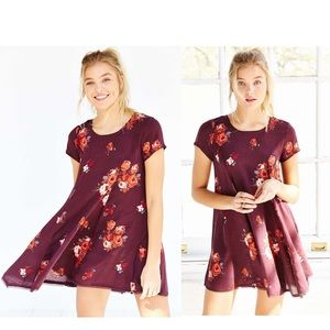 Silence + Noise Maroon Floral Witchy Tunic Dress